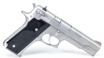 SMITH & WESSON MODEL 1645