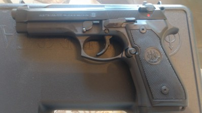 "Beretta USA 92FS 9mm Luger 4.90"" 15+1 Black"