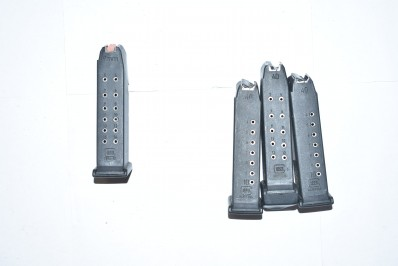 3 40 S&W AND 1 9MM GLOCK MAGAZINES (HIGH CAPACITY)