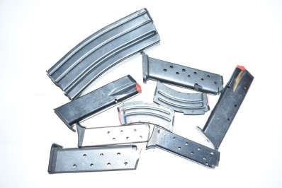 ASSORTED HANDGUN AND RIFLE MAGS