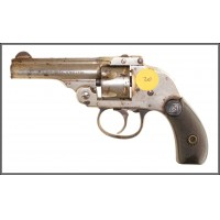 H&R SAFETY HAMMERLESS REVOLVER (32 SW)