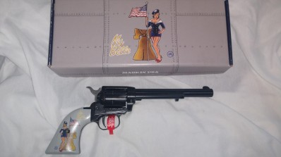 HERITAGE Arms Revolver .22LR PINUP MISS B. HAV`IN 6in Blued Barrel Classic Great Shooters .22 LR