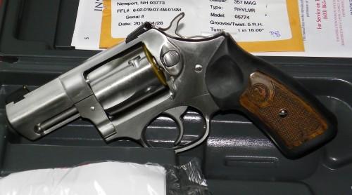 Barrel length capacity grips sights weight handgun sturm ruger co inc